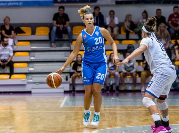 Karolina Formella (z lewej) zdobyła 14 punktów. To najwięcej w zespole AZS Uniwersytetu Gdańskiego.