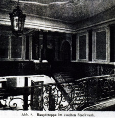 Wnętrze budynku PKP niewiele zmieniło się do dzisiejszych czasów.