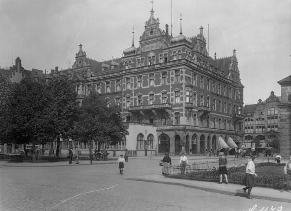 Nieistniejący dziś hotel Danziger Hof był pierwszą, tymczasową siedzibą pierwszego Komisarza Generalnego II RP w Wolnym Mieście Gdańsku.