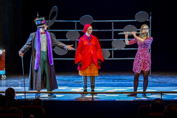 """Nowa odsłona losów tytułowej bohaterki zdarzenia edukacyjnego Opery Bałtyckiej - """"Pomposa i..."""" jest dużo bardziej interaktywna niż poprzednia i ma formę ciekawej lekcji muzyki."""