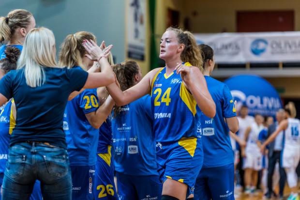 Marie Gulich (nr 24) przyznaje, że w koszykówce wiele zależy od mentalności, a spotkania wygrywa się głową.