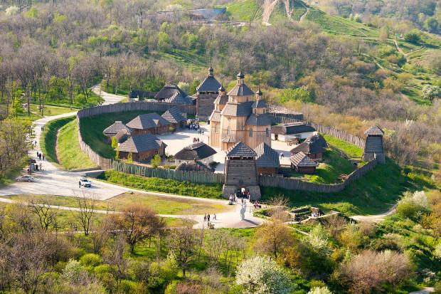 Muzeum Siczy Zaporoskiej mieści się w zrekonstruowanym forcie kozackim z XVI wieku.