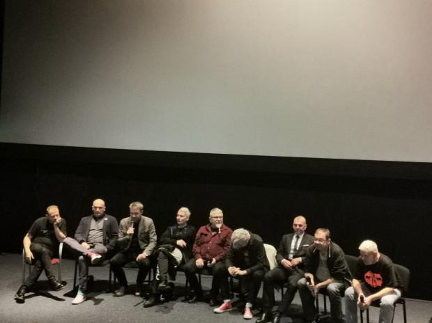 """Członkowie grupy Kult podczas gdańskiej przedpremiery dokumentu Olgi Bieniek """"Kult. Film""""."""