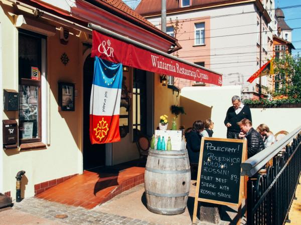Cyrano et Roxane działa w Sopocie od 12 lat. To kameralna restauracja z autentyczną kuchnią południowo-zachodniej Francji.