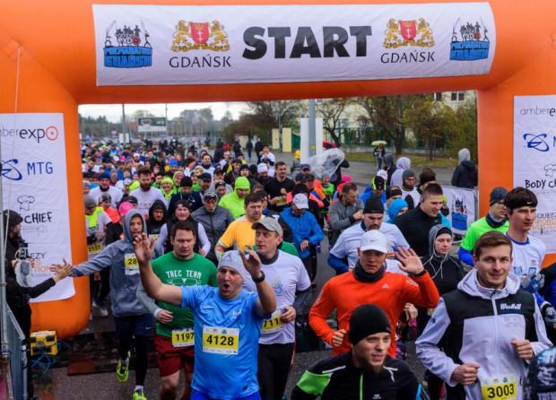 Na starcie AmberExpo Półmaraton Gdańsk oraz biegów towarzyszących co roku staje kilka tysięcy biegaczy.