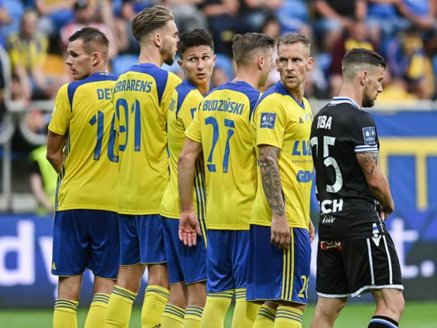 Czy zwycięstwo z Wisłą Kraków pozwoliło złapać Arce Gdynia wiatru w żagle? Piłkarze nie chcieliby patrzeć za siebie, bo niżej jest już tylko strefa spadkowa.