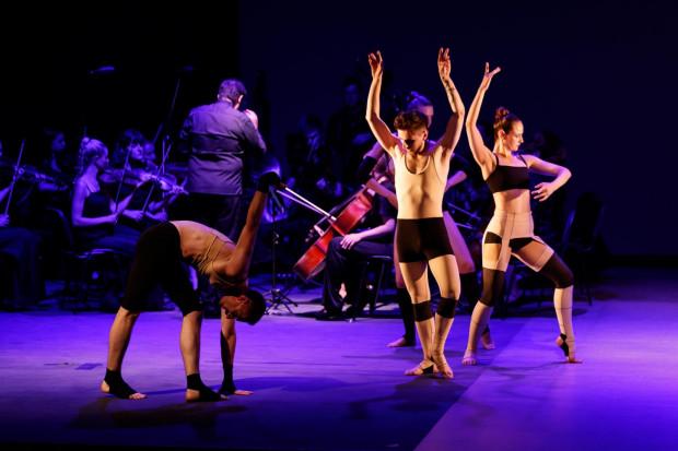 """""""Apollo"""" Teatru Nieft i orkiekstry kameralnej Nova Simfonietta z Charkowa poświęcony jest kwestii emigracji, szczególnie emigracji zarobkowej z Ukrainy."""