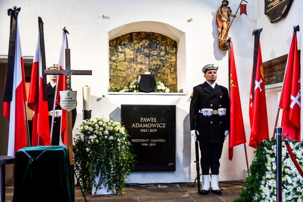 Grób prezydenta Adamowicza w Bazylice Mariackiej
