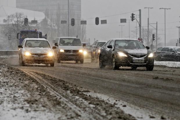 Zima to zdecydowanie najbardziej wymagający czas dla kierowców.