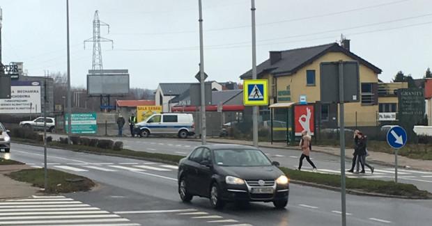 Niektóre przejścia dla pieszych w Gdyni są tak niebezpieczne, że patrol policji mógłby tam stać praktycznie codziennie.