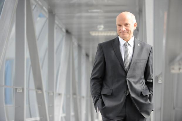 Były prezes Lotosu - Paweł Olechnowicz - będzie domagał się odszkodowania od Skarbu Państwa.