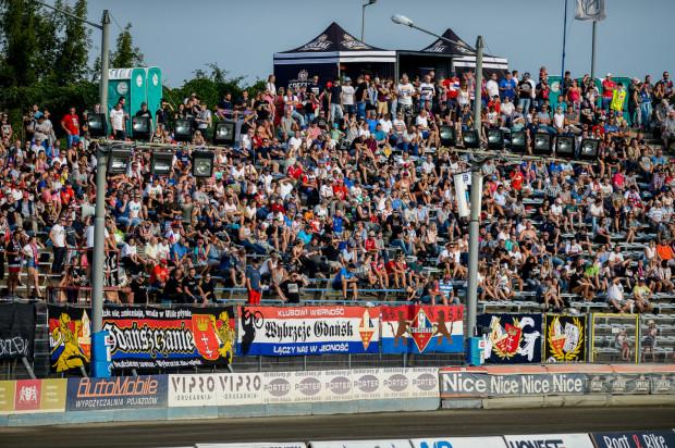 Kibice Zdunek Wybrzeże Gdańsk zapłacą za mecze żużlowców tyle samo, co w poprzednim sezonie. Zakup karnety na cały sezon to oszczędność jednego spotkania.