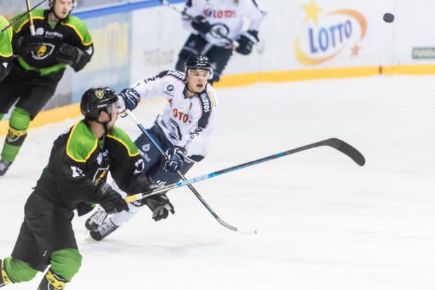 Igor Smal po 22 meczach tego sezonu w Polskiej Hokej Lidze ma już na koncie 5 bramek. W poprzednim sezonie zdobył 2 w 42 spotkaniach.