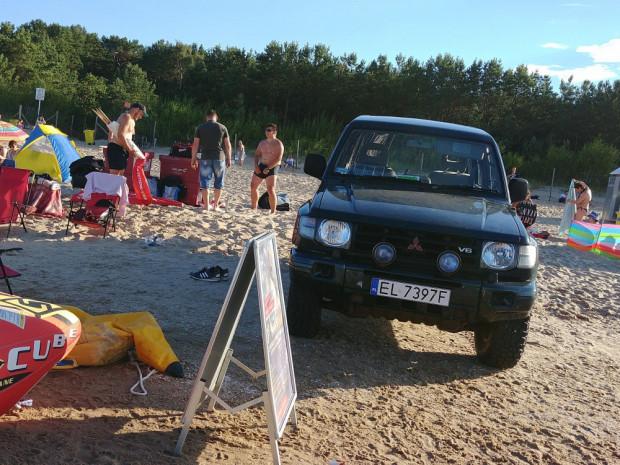 Wjazd samochodem na plażę często swój finał ma w sądzie.