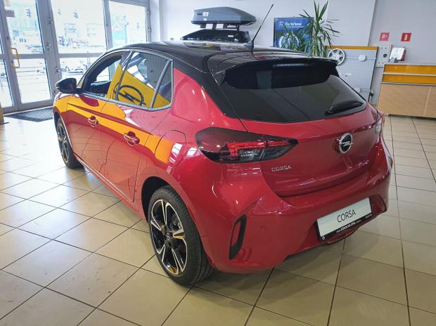 Nowa Corsa jest dostępna także z silnikiem elektrycznym.
