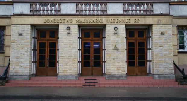 Dowództwo Marynarki Wojennej (oficjalna nazwa to: Cetrum Operacji Morskich - Dowództwo Komponentu Wodnego) po kilku latach wróciło do Gdyni.