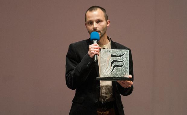Roger Jackowski to radny dzielnicy oraz działacz rowerowy. W 2012 r. odebrał nagrodę Skrzydła Trójmiasta za organizację corocznego Wielkiego Przejazdu Rowerowego.
