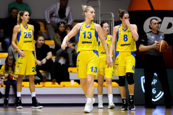 W czwartkowy wieczór zespół Arki Gdynia tworzyły jedynie zagraniczne koszykarki. Najskuteczniejsza z nich to Maryja Papowa (nr 13), zdobywczyni 29 punktów.
