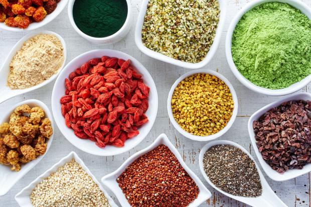 Pojęcie superżywności znane jest większości osób, które interesują się tematyką zdrowych diet.