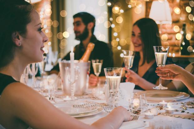 Święta już wkrótce, więc wiele firm planuje spotkania dla swoich pracowników.