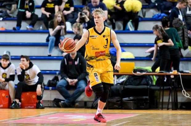 """Łukasz Kolenda nareszcie zagrał na """"swoim"""" poziomie. Koszykarz Trefla Sopot zdobył 15 punktów, przy 66-proc. skuteczności z gry. Popisał się również wsadem."""