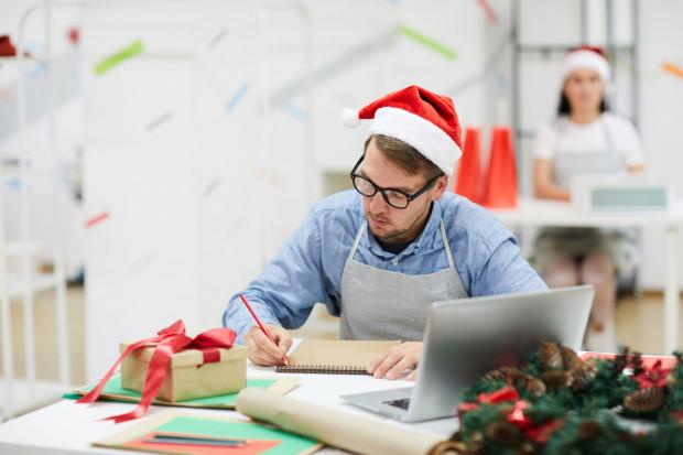 Charytatywne akcje świąteczne to nie tylko okazja do zrobienia czegoś dobrego, ale też sposób na integrację pracowników.