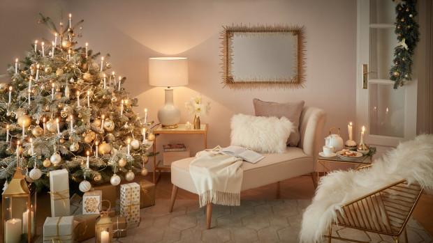 Świąteczny wystrój mieszkania powinniśmy dopasować do naszego pomieszczenia, pamiętając o tym, w jakim otoczeniu czujemy się najlepiej.