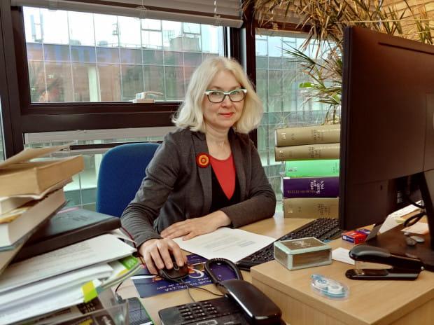 Elżbieta Pałasz: Miejsce, w którym czytam - to praca, ponieważ z zawodu jestem redaktorką.