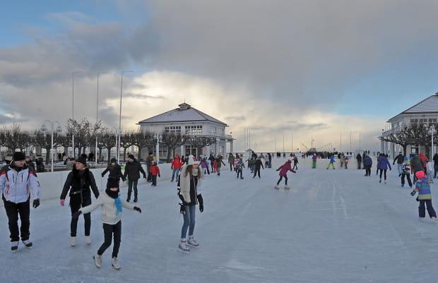 W centrum Sopotu będzie można pojeździć na łyżwach w sylwestrową noc.