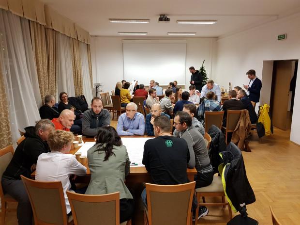 W czwartkowych warsztatach udział wzięło ok. 40 osób.