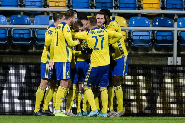 Arka Gdynia na wygraną przy ul. Olimpijskiej czekała od 30 sierpnia, a w całym 2019 roku piłkarze żółto-niebieskich mogli tylko pięć razy cieszyć się ze zwycięstw przed własną publicznością.