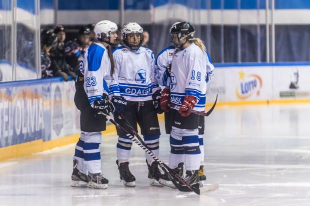 W finale fazy play-off GKS Stoczniowiec i Polonia Bytom Ladies spotykały się w 2016, 2017, 2018 i 2019 roku, ale za każdym razem podopieczne Henryka Zabrockiego musiały uznawać wyższość rywalek.