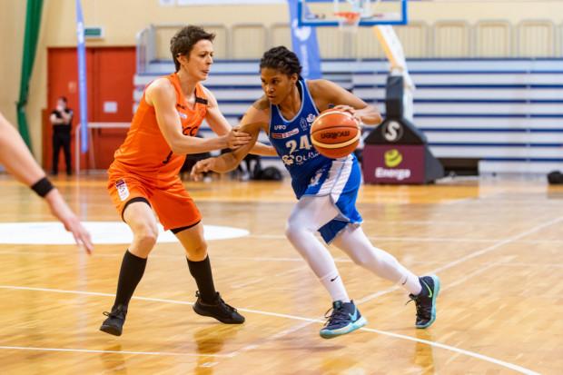 Tierra Ruffin-Pratt była najskuteczniejszą koszykarką w przegranym przez akademiczki meczu z CCC Polkowice. Amerykanka w debiucie zdobyła 17 punktów.