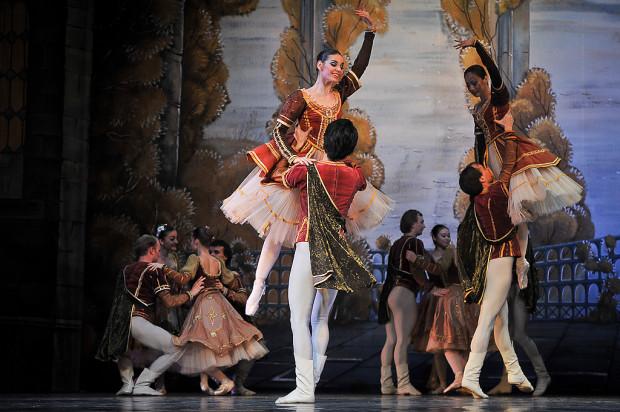 """Spektakle Moscow City Ballet przyjeżdżają do Trójmiasta już od kilkunastu lat. 24 lutego do Teatru Muzycznego w Gdyni zespół z Moskwy (na zdjęciu) zawita z baletem """"Romeo i Julia""""."""