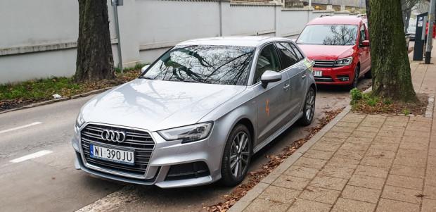 Cennik 4Mobility nie przewiduje zniesienia opłaty dodatkowej za uszkodzenie samochodu.