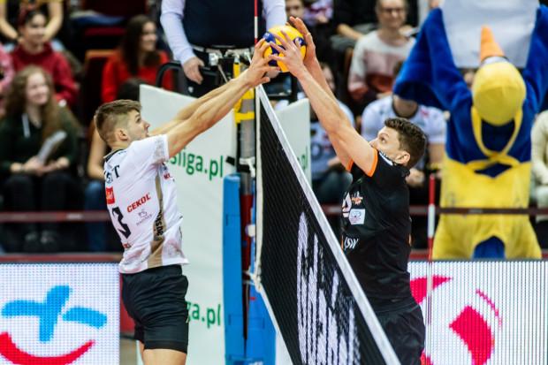 W środę, Ruben Schott (z lewej) ponownie spotka się z kolegami z reprezentacji Niemiec: Lukasem Kampą (z prawej) oraz Christianem Frommem, z którymi w piątek wspólnie bił się o awans na igrzyska olimpijskie 2020 w Tokio, ale w finale ulegli Francji 0:3.