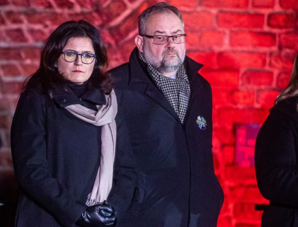 Piotr Adamowicz zarzuca organom ścigania bierność w sprawie gróźb, jakie od czasu objęcia urzędu dostaje prezydent Gdańska Aleksandra Dulkiewicz.