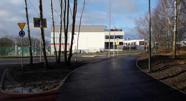 Ścieżkę otwarto 18 grudnia 2019 r. głównie z myślą o uczniach Centrum Edukacyjnego Jabłoniowa, by mogli bezpiecznie docierać pieszo do szkoły.