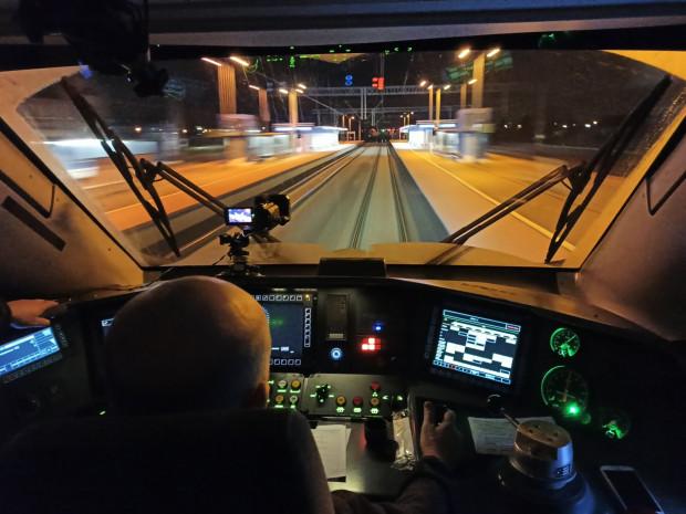 W połowie roku pociągi pendolino na trasie z Trójmiasta do Warszawy rozpędzą się do 200 km/h.