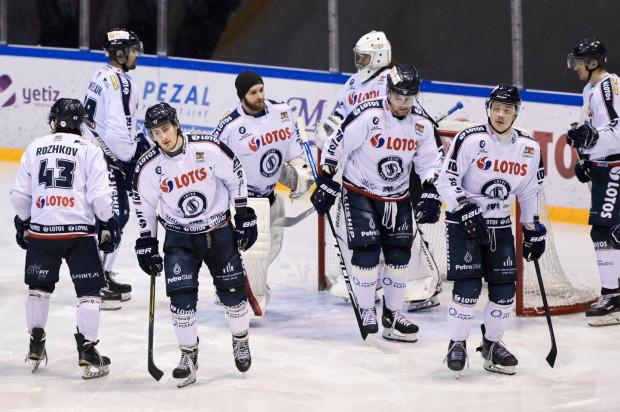 W Katowicach hokeiści Lotosu PKH Gdańsk nie poprawią swojej pozycji w tabeli PHL przed ostatnią fazą sezonu zasadniczego, ale też na pewno nie spadną z 6. miejsca.