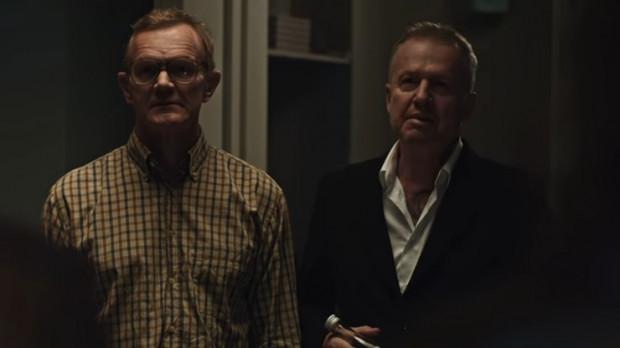 """""""Psy 3"""" na ogół bronią się aktorsko, aczkolwiek każdy z członków obsady zalicza tutaj artystyczne niziny. Ciężko jednak się nie uśmiechnąć, gdy na ekranie widzi się duet Pazura/Linda."""