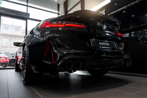 BMW M8 wyróżnia niesamowita stylistyka nadwozia.