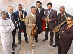 Afro-Cuban All Stars to kubańska orkiestra założona przez Juana de Marcosa, jednego ze współzałożycieli legendarnej Buena Vista Social Club.