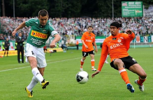 Łukasz Surma gra w Lechii od 2,5 sezonu, a od roku jest kapitanem drużyny.