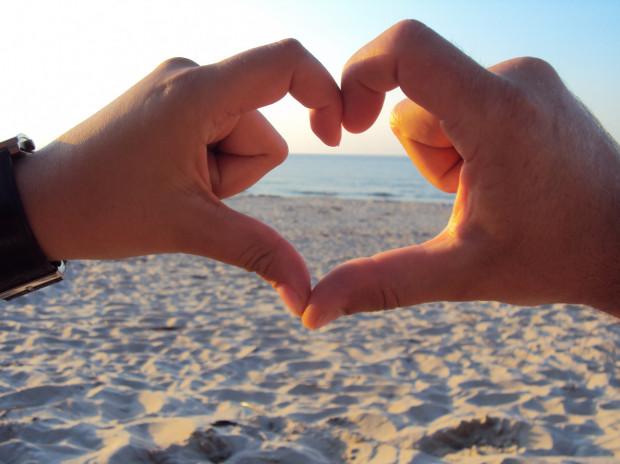 Choć walentynki to świetna okazja, aby przypomnieć ukochanej osobie o uczuciu, jakim ją darzymy, to żadnym prezentem nie zastąpimy okazywanej sobie na co dzień miłości.