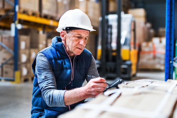 Nawet jeśli dana umowa zatytułowana jest umowa o dzieło czy umowa zlecenia, może być ona uznana za umowę o pracę, jeśli wzajemne relacje obu stron umowy bardziej przypominają stosunek pracy.