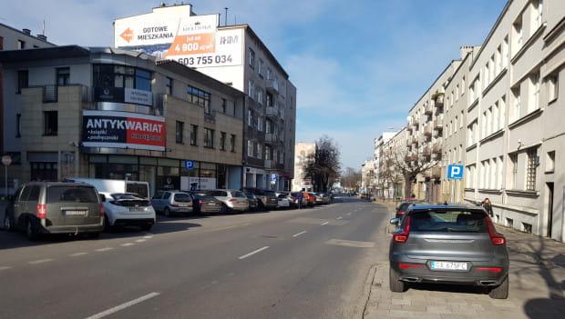 Na tym odcinku planowano poszerzyć ul. Władysława IV.
