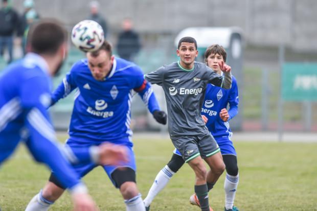 Omran Haydary (drugi z prawej) po raz pierwszy zagrał w koszulce Lechii Gdańsk.