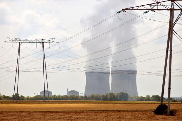 Udziałem w budowie polskich elektrowni jądrowych zainteresowane są firmy z Francji, Korei Południowej i Stanów Zjednoczonych. Na zdjęciu elektrownia  w Saint Laurent des Eaux we Francji.