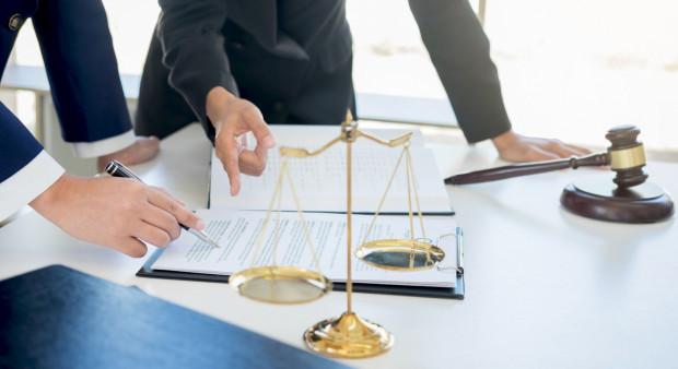 W piątek rozpoczyna się Tydzień Pomocy Osobom Pokrzywdzonym Przestępstwem. Pomocy można szukać u prawników, prokuratorów, policjantów i innych specjalistów.